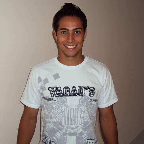 Lenny, jogador do Palmeiras, veste Vagau´s no Globo Esporte, dia 08 ...